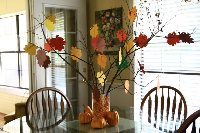source: http://therealhousewife.com/blog/thanksgiving-tree/
