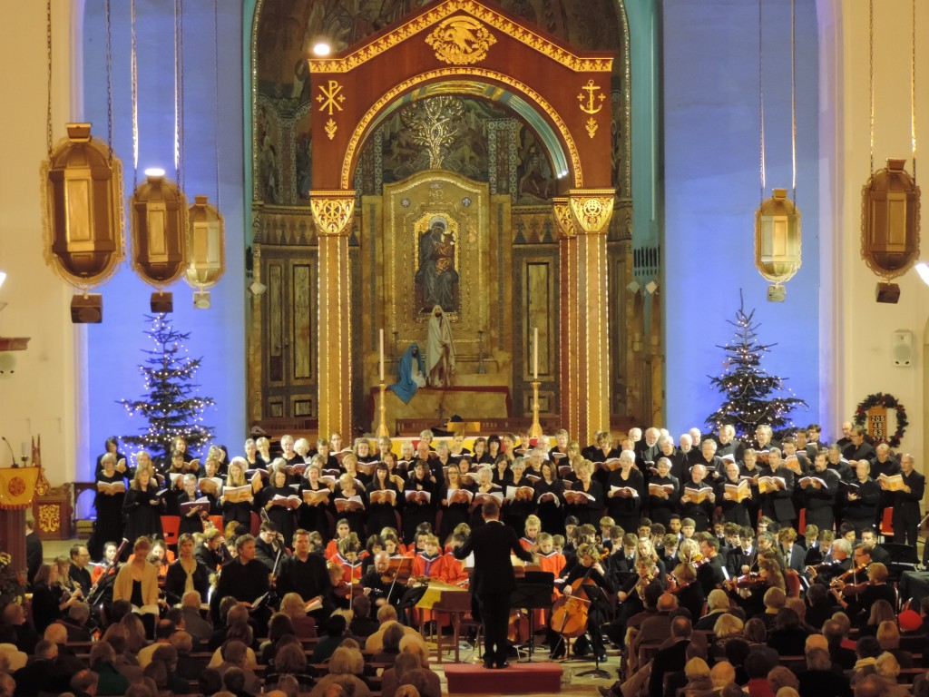 singing in the choir at christmas (source: theroyalhospitalschool.wordpress.com)